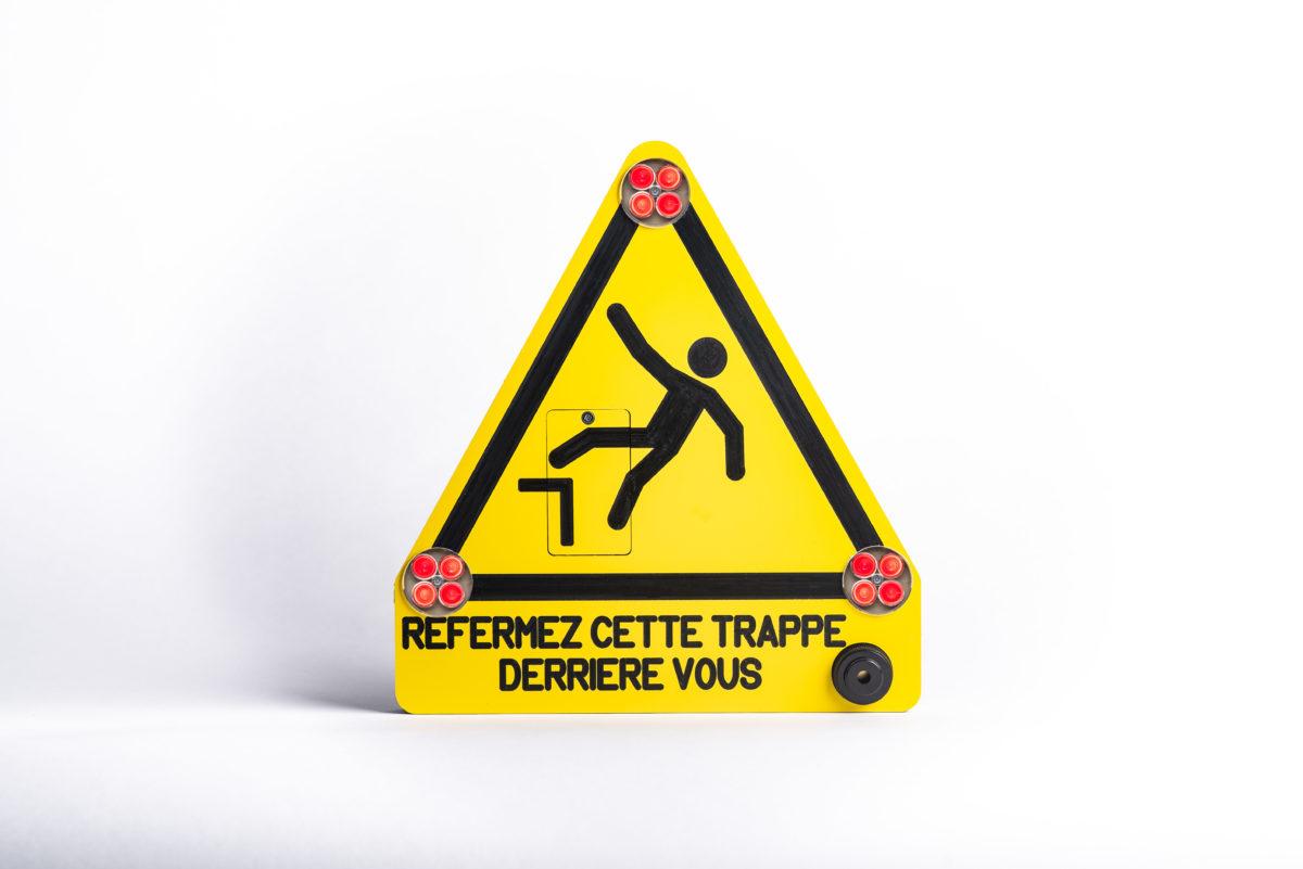 Signalisation_Active_Panneau_Intelligent_Sur_Mesure_Vienne_Lyon_Panneau_Securite_Trappe